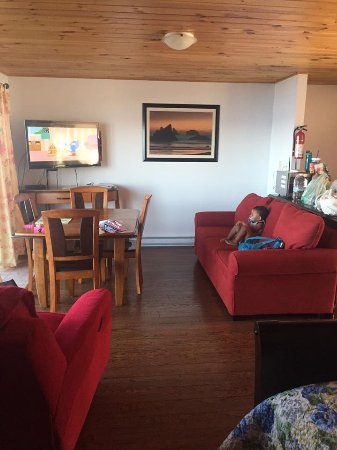 Pocologan, Kanada: full couch set, dining set