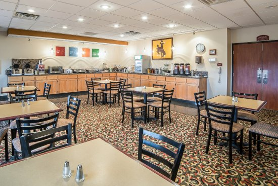Quality Inn & Suites University : Breakfast Room - Free Hot Breakfast Served Everyday
