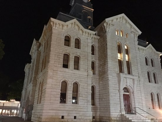 Granbury Town Square: Hood County Courthouse