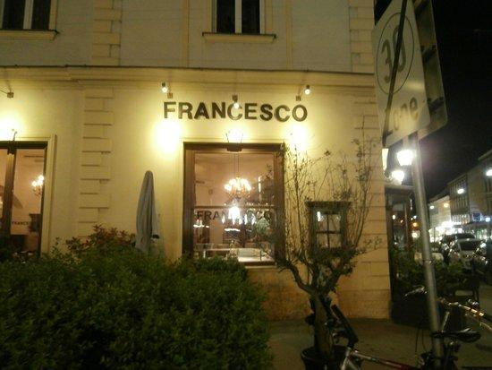 Francesco: La devanture