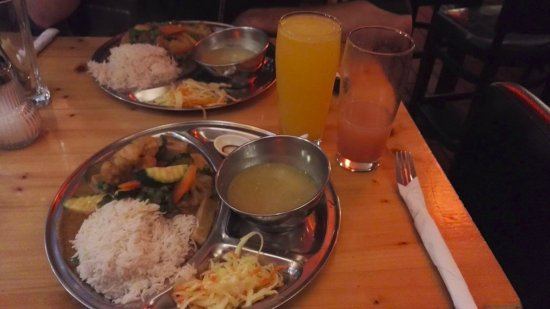 Tibet Haus: Meal options with soup and salad