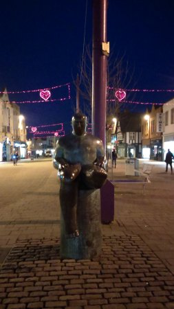 Loughborough, UK: The Sock Statue