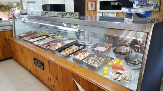 Raymond, เมน: Local fresh Seafood for all your cooking needs.