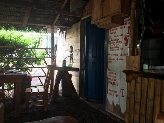 Ιζαμπέλα, Ισημερινός: Bar
