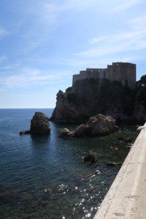 Fort Lovrijenac: המצודה כפי שרואים אותה מחומות העיר