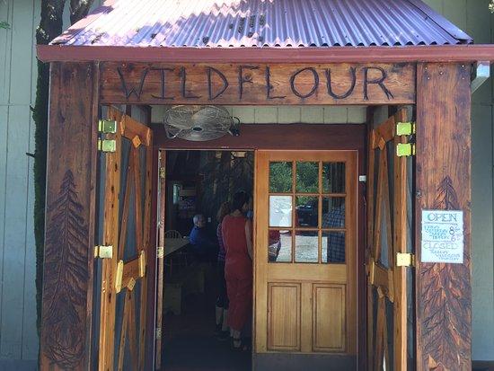 Freestone, كاليفورنيا: Wild Flour Bread