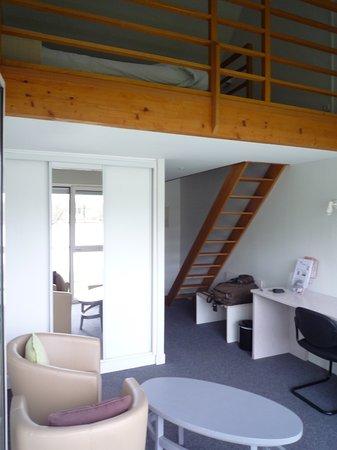 Une chambre avec mezzanine (la 9) - Photo de L\'Hotel de l\'Ile du ...