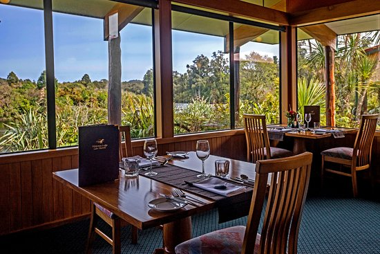 Wilderness Lodge Lake Moeraki: Experience one of New Zealand's finest outlooks in the Riverside Restaurant