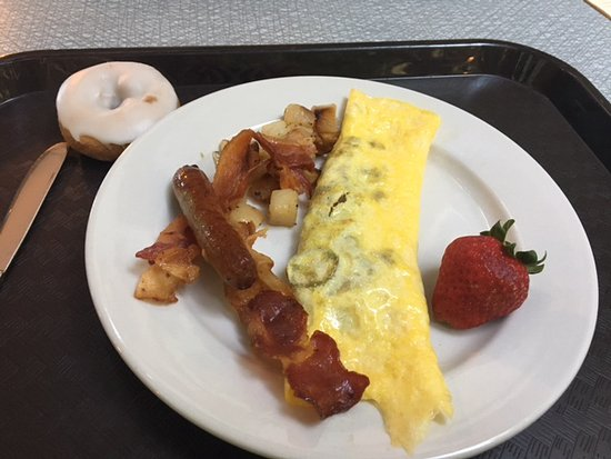 Embassy Suites by Hilton Minneapolis - Airport: Tasty omelette with exactly 2 slices of jalapeño, or as YOU like.