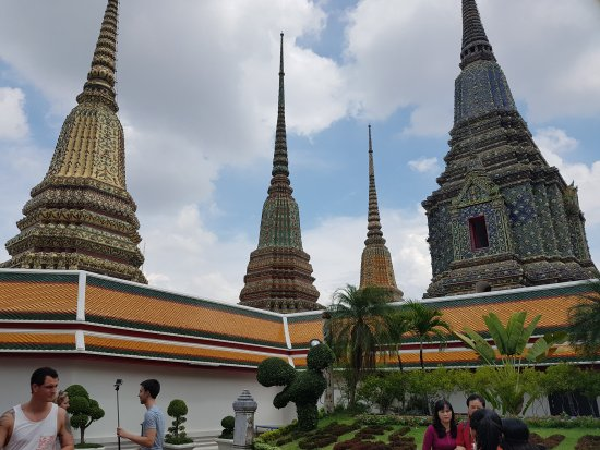 Wat Pho (Tempel des liegenden Buddha) - Picture of Temple of the Reclining Bu...