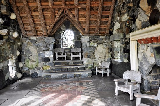 Inside the Faerie Cottage in the Enchanted Woods at Winterthur