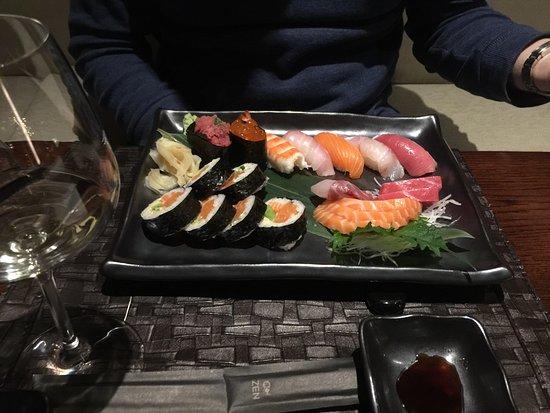 Zen Japanese Sushi Bar & Teppanyaki : photo1.jpg