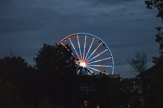 Valley Forge Inn: Ferris wheel at the Island