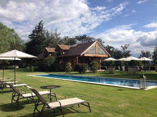 Puembo, Ecuador: La piscina y la terraza