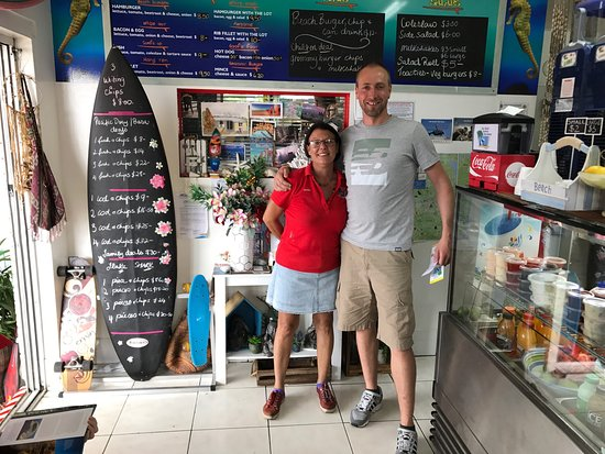 Bargara, Australia: Lovely time with the owner of this great delicious place!