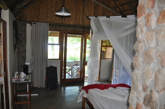 Divundu, Namibia: Room entry from porch