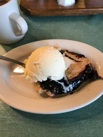 Grabill, IN: Blackberry Pie