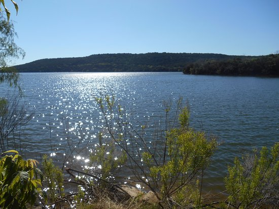 Possum Kingdom State Park: The view from the lakside portion of our campsite. Breath-taking sunrise views!