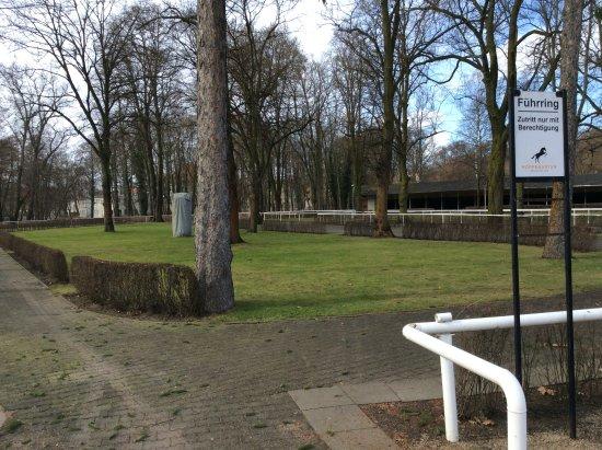 Rennbahn Hoppegarten: Top class racing facilities at Hoppegarten Racetrack