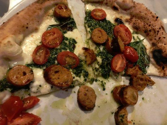Fuoco Pizzeria Napoletana : Chicken Pesto
