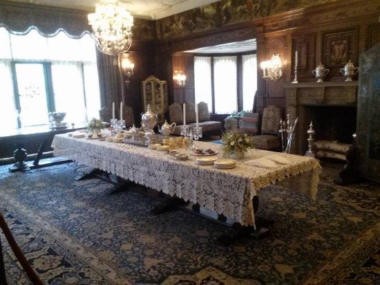 Akron, OH: Dining room