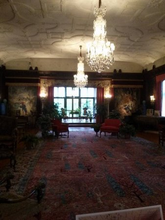 Akron, OH: Great room