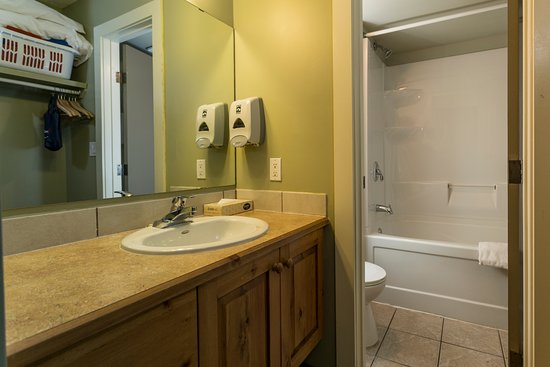 Fernie, Canadá: Standard Room - Washroom