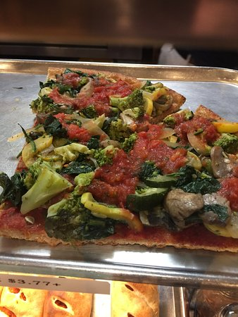 Little Neck, NY: vegetable pizza