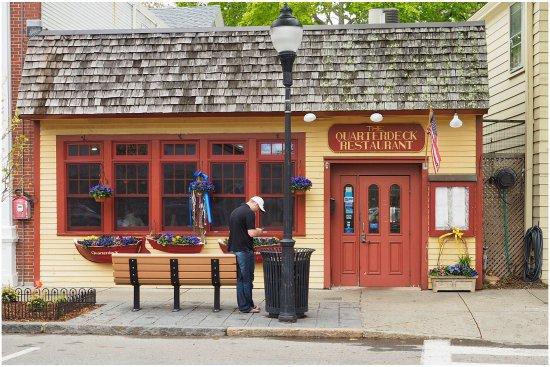 Quarterdeck Restaurant: photo1.jpg