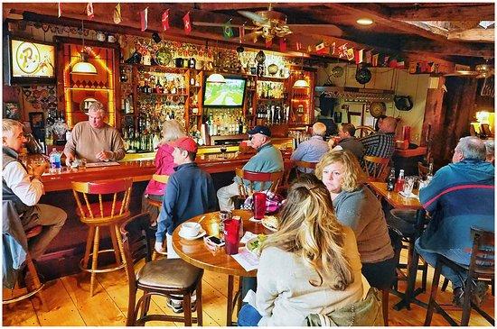 Quarterdeck Restaurant: photo2.jpg
