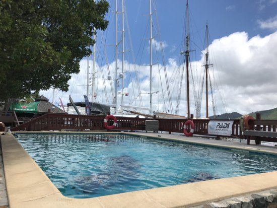 Simpson Bay, St. Maarten-St. Martin: swimming pool where you can practice to go safe at sea