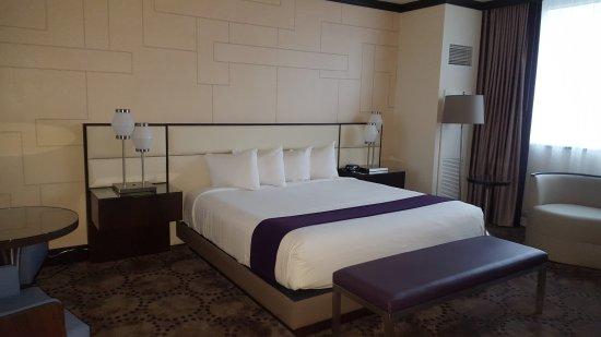Harrah's Resort Atlantic City: Renovated Bayview Tower King room