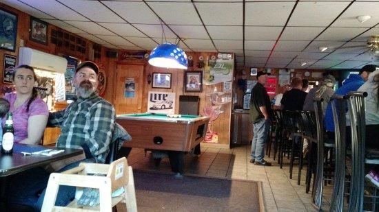 Salamanca, نيويورك: great neighborhood bar/restaurant
