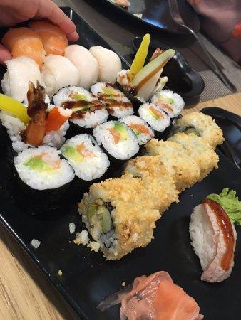 Sant Andreu de Llavaneres, Spain: Mixed sushi