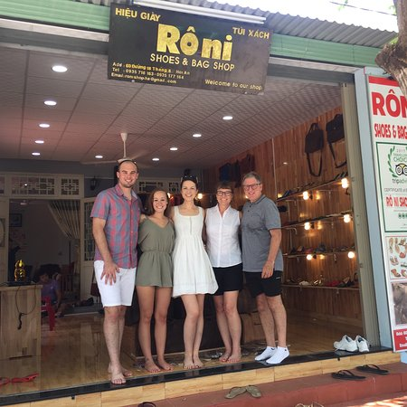 Roni Shoes & Hand Bag Shop