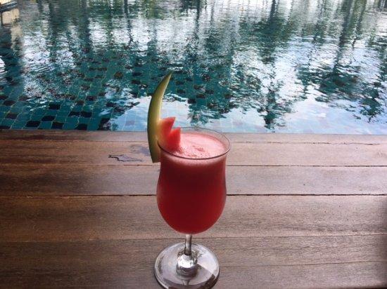 INTERCONTINENTAL Bali Resort: Free Drinks by the club Pool