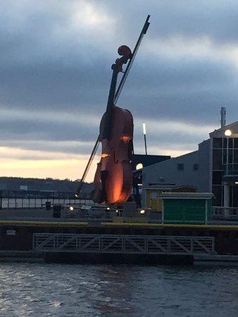 Sydney, Kanada: The Big Fiddle