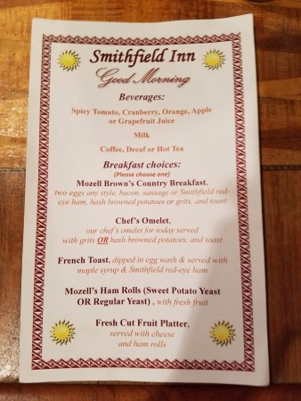 The Smithfield Inn Bed and Breakfast, Restaurant and Tavern: Breakfast for overnight guests