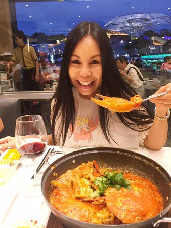 Jumbo Seafood : My favorite Singapore cuisine is the Chili Crab dish!