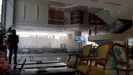 Hotel Neruda: Lobby del hotel