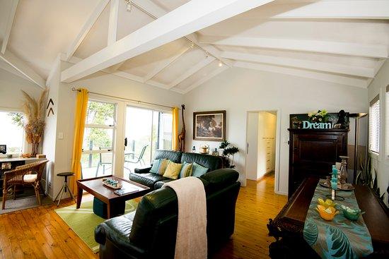 Titirangi, New Zealand: Lounge