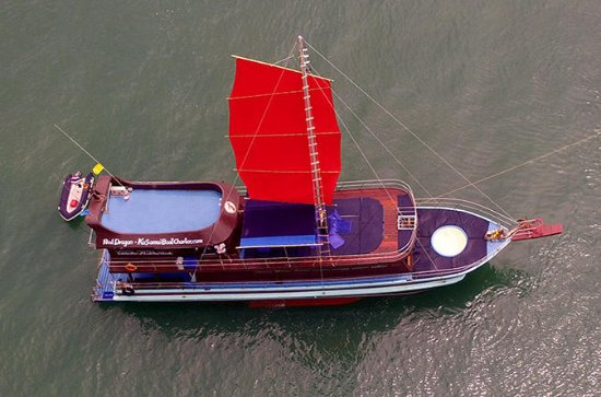 Charter privado: Red Dragon Junk Sail...
