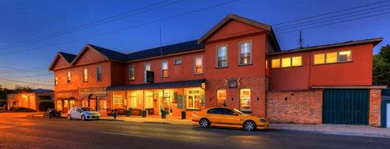 The Mole Creek Hotel in the twilight