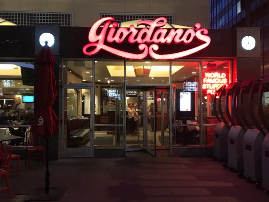Picture of giordano 39 s pizza chicago for Table 52 chicago tripadvisor