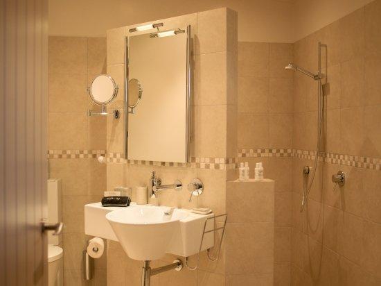 Gibbston, New Zealand: Queenstown Suite Bathroom