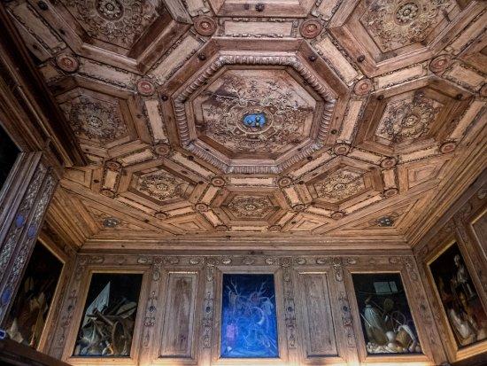 Cellettes, França: Au 1er étage, le Cabinet des grelots.