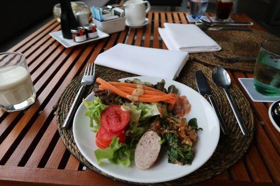 Oriental Spoon: テラスで朝食