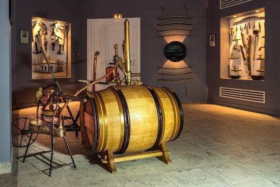 Gaillan-en-Medoc, France : notre petit musée : vieux outils