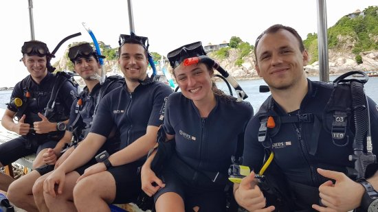 Easy Divers - Koh Tao: Final dive with Emmy - officialy certified