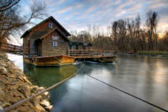 Slovenia: mlin na Muri